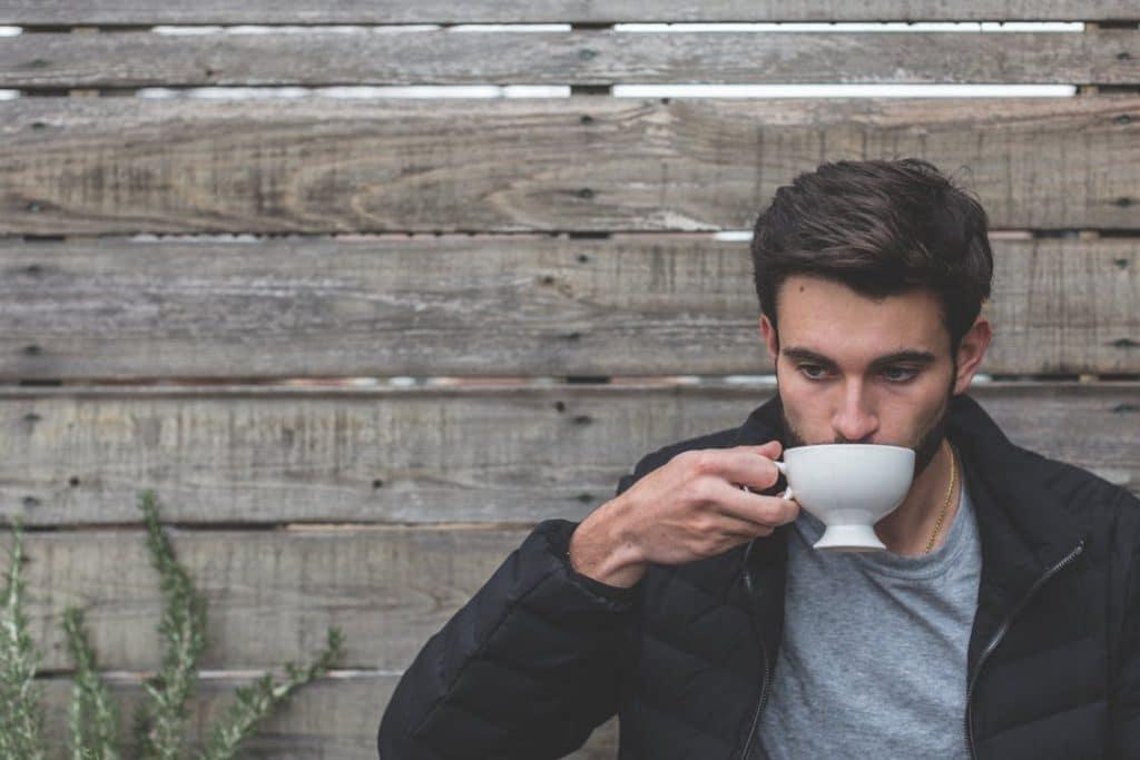 Perte de cheveux : et si la solution était le thé vert ?